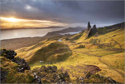 Premium poster  The Old Man of Storr at sunrise - The Wandering Soul