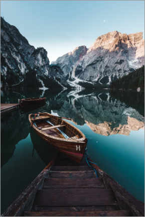 Acrylglas print  Braies lake with boat in the Dolomites - Road To Aloha