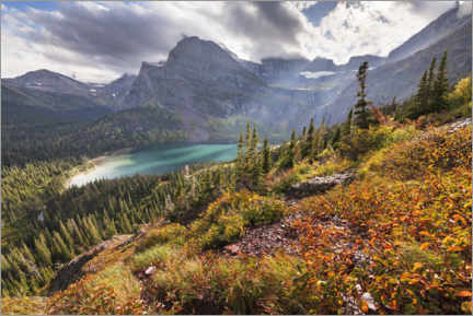 Muursticker  Turquoise mountain lake in the Rocky Mountains in autumn - The Wandering Soul