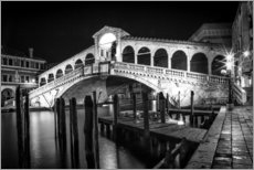 Muursticker  VENICE Rialto Bbridge at Night - Melanie Viola