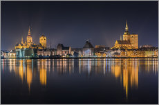 Muursticker  Skyline of Stralsund at night - Kristian Goretzki