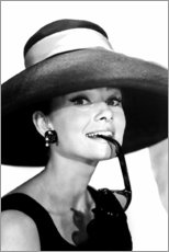 Premium poster  Audrey Hepburn in zomeroutfit - Celebrity Collection