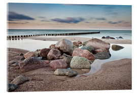 Acrylglas print  Stones and groynes on shore of the Baltic Sea. - Rico Ködder