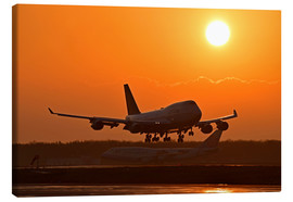 Canvas print  Landing a Beoing B747-400 in the sunset - HADYPHOTO