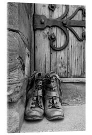 Acrylglas print  Worn boots before a door - John Short