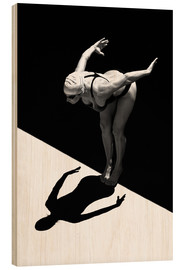 Hout print  A woman jumps into the water I - Ben Welsh