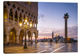 Canvas print  St Mark square and Doges palace at sunrise, Venice, Italy - Matteo Colombo
