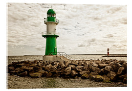 Acrylglas print  Green and red lighthouse at the harbor entrance of Warnemünde