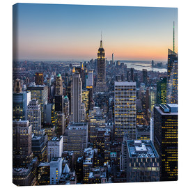 Canvas print  Empire State Building en wolkenkrabbers in de schemering, New York