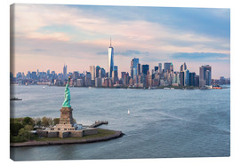 Canvas print  Statue of Liberty and World Trade Center, New York - Matteo Colombo