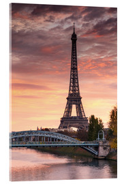 Acrylglas print  River Seine and Eiffel tower at sunrise, Paris, France - Matteo Colombo