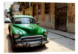 Acrylglas print  Vintage car in the streets of Havana, Cuba - HADYPHOTO