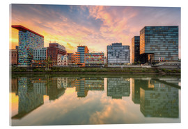 Acrylglas print  Düsseldorf Reflection in the Media Harbor at sunset - Michael Valjak