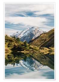 Premium poster Trüebsee mountain lake with Schlossberg mountain peak at Titlis Engelberg in Switzerland at fall